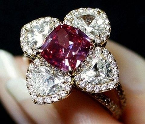 2.26-carat-fancy-purplish-red-diamonds.jpg