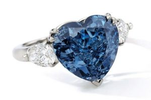 5.04 carat vivid blue diamond