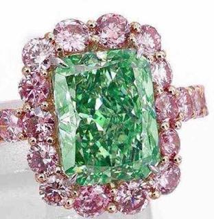 aurora_green_diamonds_2