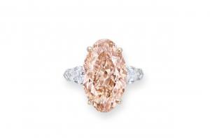brownishg orangy pink diamond