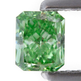 0.42-carat-Fancy-Vivid-Green-Radiant-Shape-SI1-Clarity-1